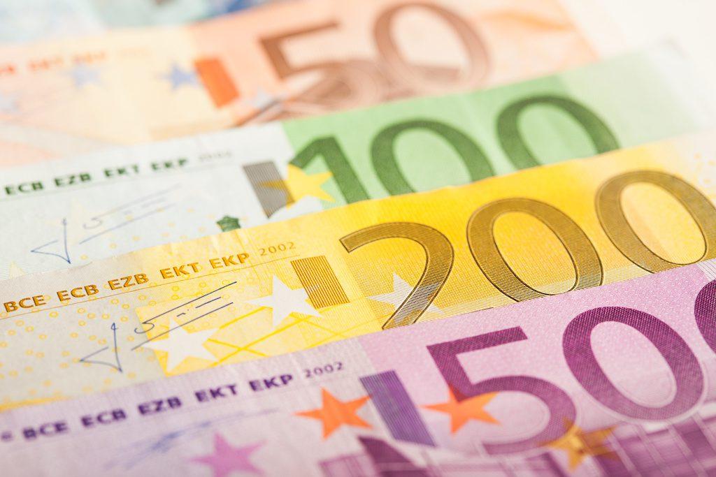 200 euron laina